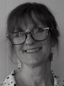 Sarah Francis (M.Psych., M.A., B.Ed., Diploma in Psychodynamic Psychotherapy, Grad. Dip. in MiCBT., MAPS.)